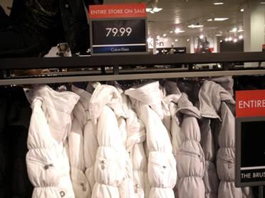 79.99美元一件的Calvin Kleinde滑雪衫
