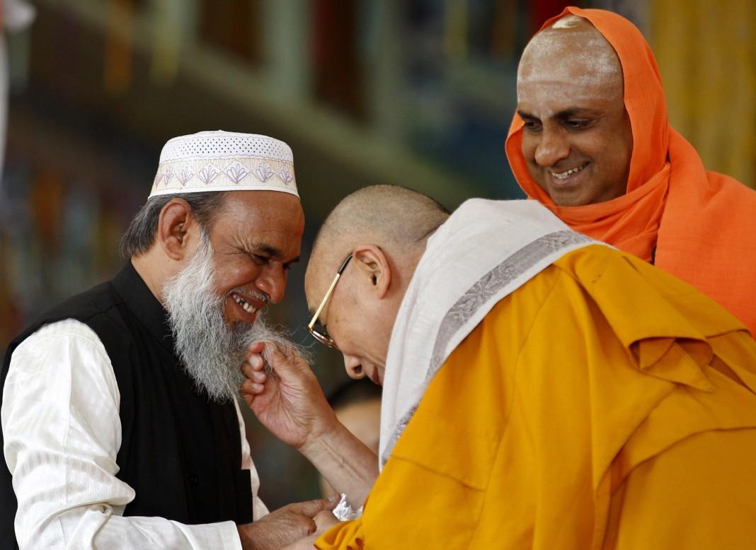 Mohammed Usman Shariff, the Dalai Lama and Shivratri Deshikendra (AP Images)