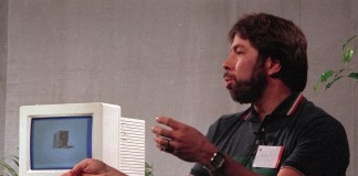 Steve Wozniak provides business insights (AP Images)