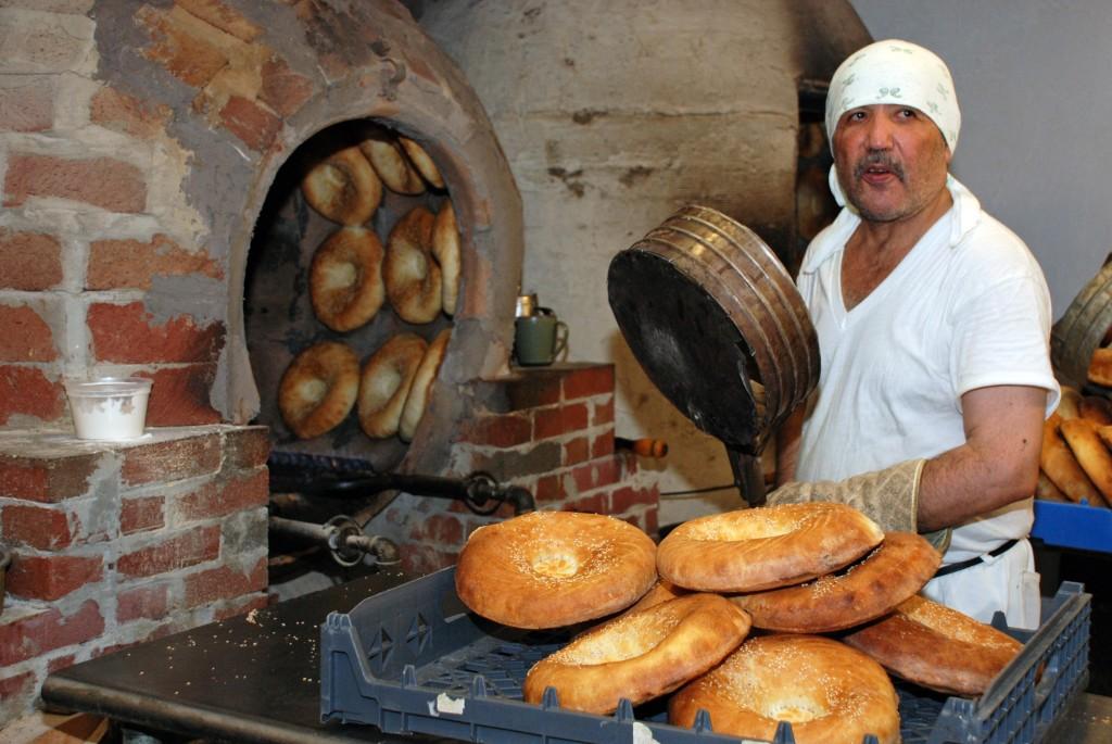 Bukharian baker in Queens (David Finkelstein)