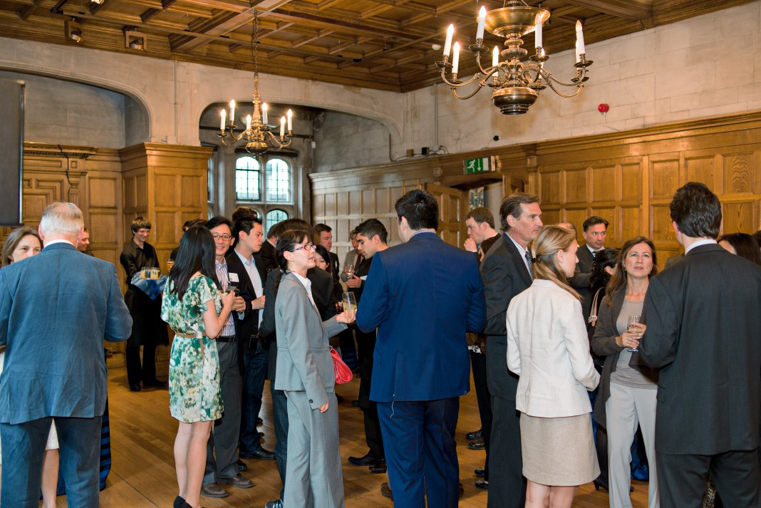 加利福尼亚大学伯克利分校的校友在伦敦举行活动。