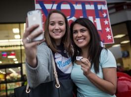 女性在美国政坛上更上一层楼(AP Images)