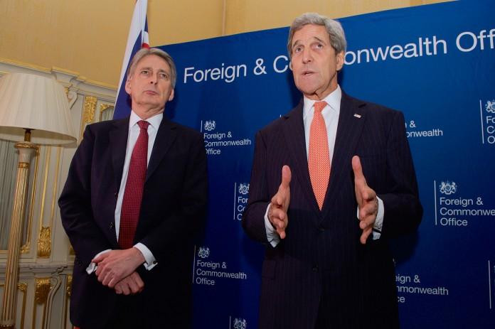 فيليب هاموند وجون كيري (وزارة الخارجية الأميركية)
