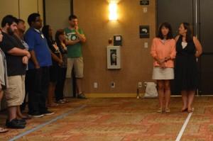 آموزگار و دانش آموزان  در کنار یک خط ایستاده اند (عکس اهدایی از بنیاد نویسندگان آزادی)