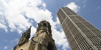 位于柏林的威廉皇帝纪念教堂(The Gedächtniskirche, or Kaiser Wilhelm Memorial Church)是二战后警世战争以及倡导和平与和解的标志(Thinkstock)