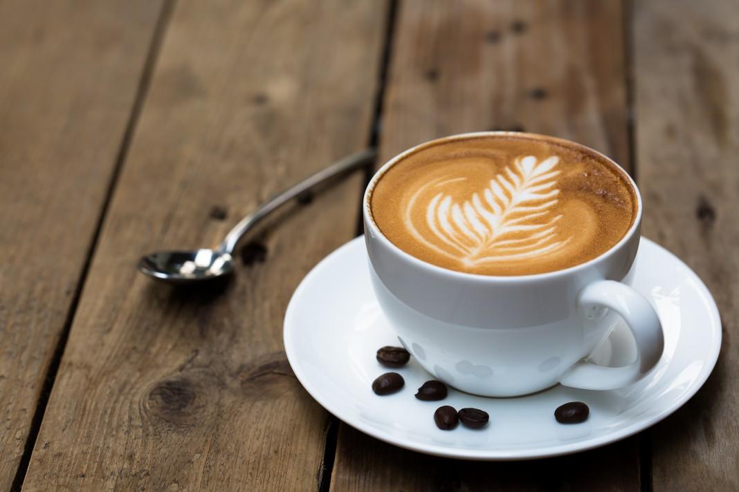 Une tasse de cappuccino dont la mousse a été sculptée (Shutterstock)