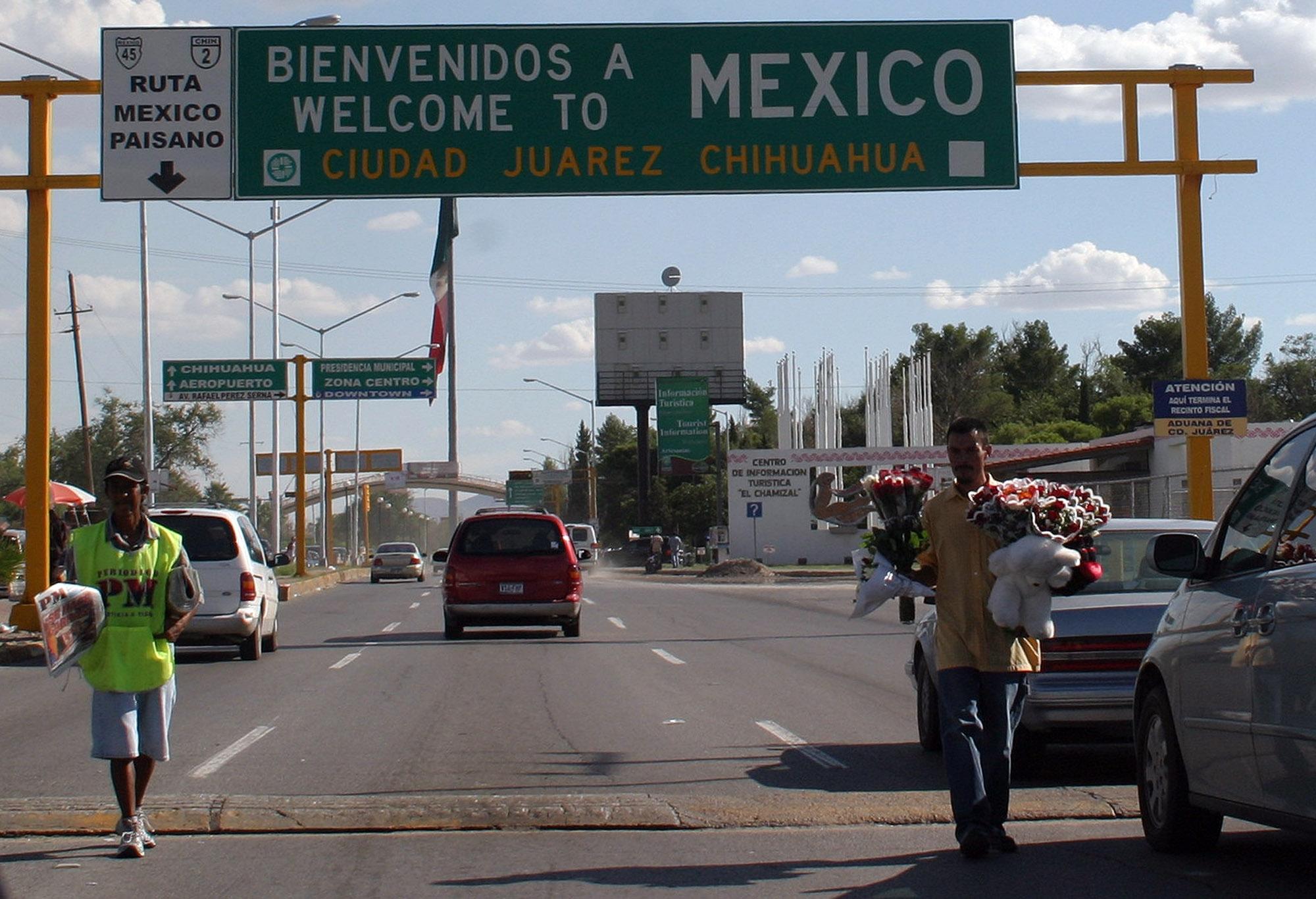 Photo d'un point d'entrée à la frontière du Mexique (© AP Images)