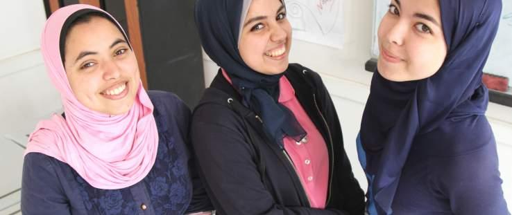 الفتيات المشاركات في مسابقة إنتل للعلوم والتكنولوجيا -Claudia Gilmore Gutierrez, USAID