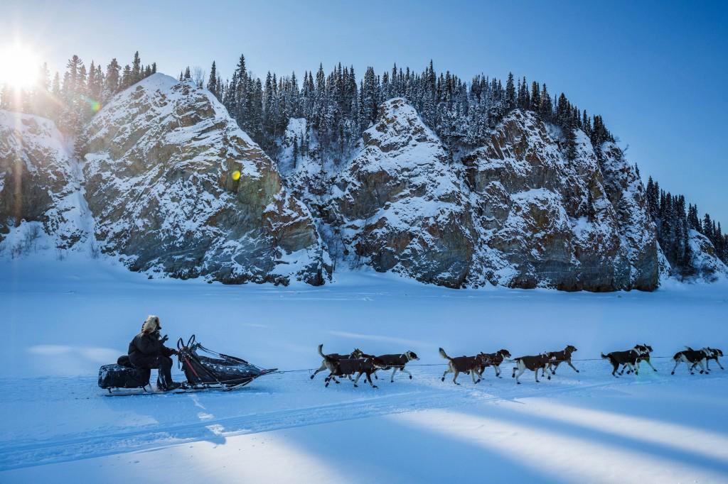 Un traineau tiré par des chiens (© AP Images)
