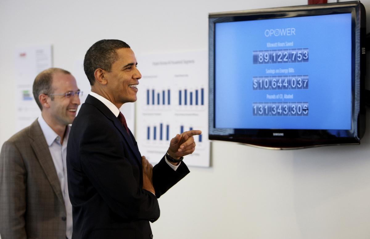 Le président Obama avec le PDG et fondateur d'Opower, Daniel Yates (© AP Images)