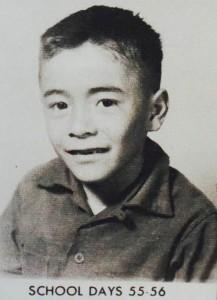 Photo en noir et blanc de Juan Felipe Herrera quand il était enfant (Crédit photo : Juan Felipe Herrera)
