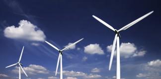 صفحات خورشیدی و توربین های بادی (عکس از شاتراستاک)