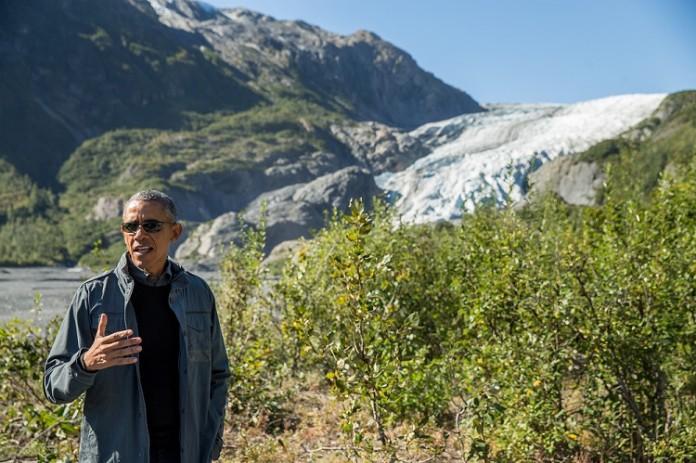 باراک اوباما در یخچال طبیعی اگزیت (عکس از آسوشیتدپرس)