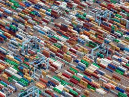 Aerial view of many shipping containers (Alex S. MacLean/Landslides Aerial Photography)