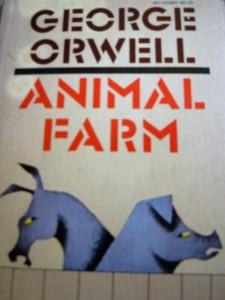 Couverture en anglais du roman « La Ferme des animaux » (Département d'État)