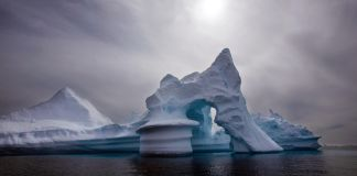 An iceberg in Greenland (© AP Images)