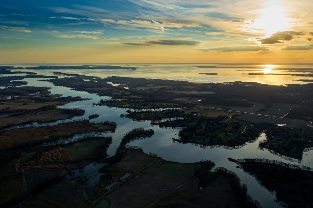 Aerial view of Maryland's Chesapeake Bay e (Edwin Remsberg/Alamy Stock Photo)