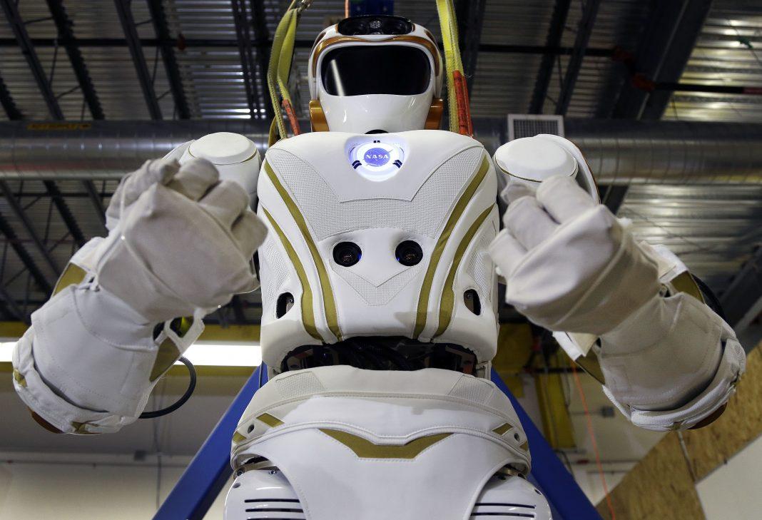 Робот-гуманоид (AP Photo/Elise Amendola)