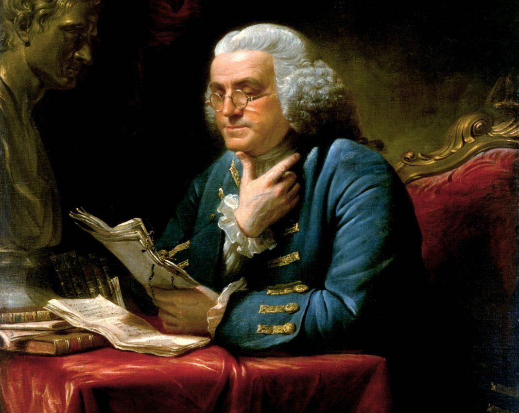 Retrato pintado de Benjamín Franklin leyendo en su escritorio (Asociación Histórica de la Casa Blanca).
