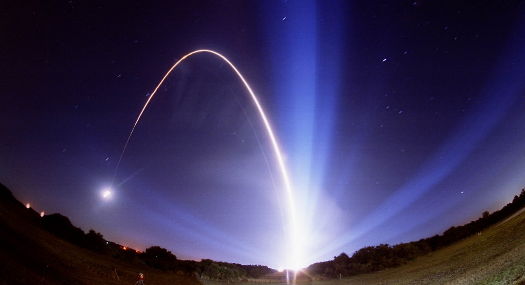 Rocket launching (© NASA Images)