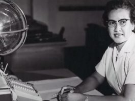 Katherine Johnson at desk (NASA)