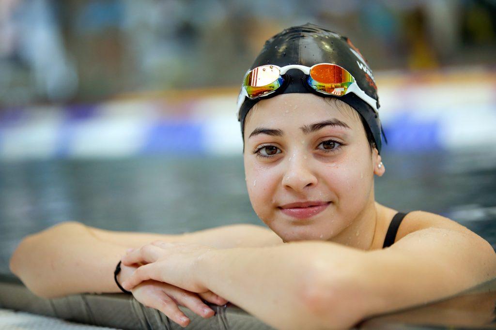 Yusra Mardini in a pool (© AP Images)