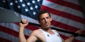 Blake Haxton holding oar (© AFP/Getty Images/Valerie Macon)