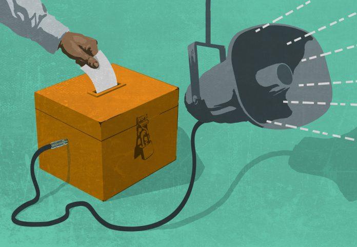 Ilustração de um megafone conectado a uma urna (Departamento de Estado/Doug Thompson)