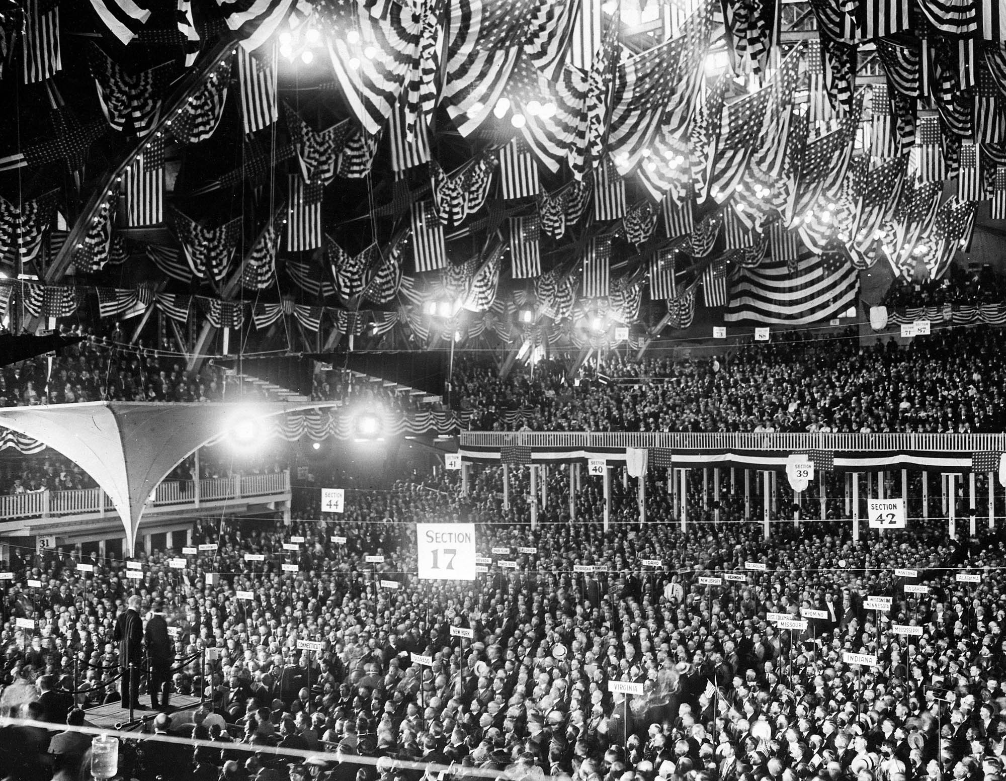 Wide-angle view of the 1920 Republican National Convention (© AP Images)