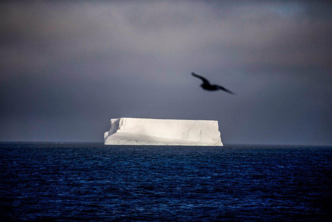 Ilmuwan mengatakan bahwa penyusutan ozon di Antartika mulai melambat, terutama karena adanya Protokol Montreal, sebuah kesepakatan lingkungan tingkat internasional, yang disepakati pada 1987. (© AP Images)
