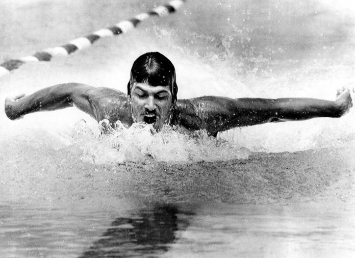 Mark Spitz nadando (© Everett Collection Historical/Alamy)