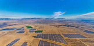 Campo com grandes instalações solares (Cortesia: SunPower)