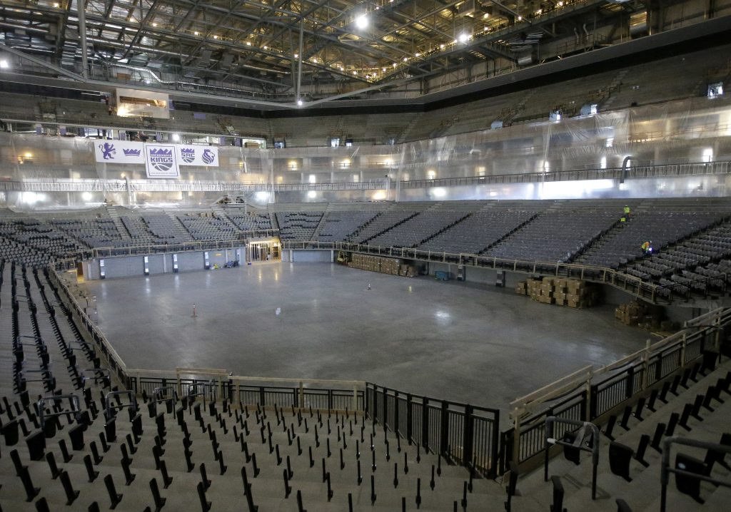 Новый стадион готовят к открытию (© AP Images)