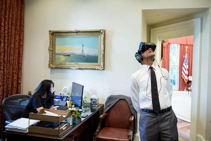 El presidente Obama con gafas de realidad virtual (La Casa Blanca / Pete Souza)