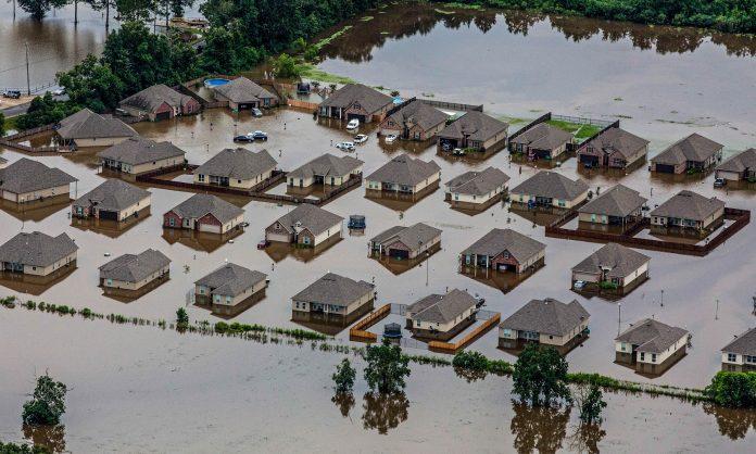 Новоднение в штате Луизианна (AP Photo/Max Becherer)