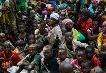 Gran grupo de africanos (© AP Images)