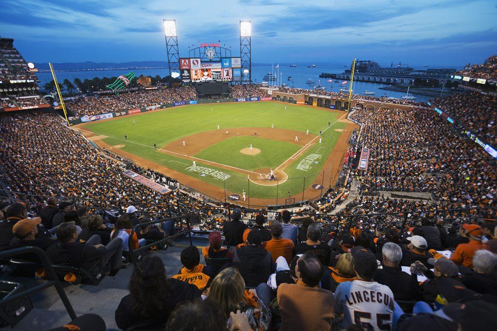 Бейсбол на берегу Тихого океана (© AP Images)