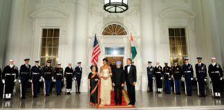 Los Obama y los Singh en la Casa Blanca (© AP Images)