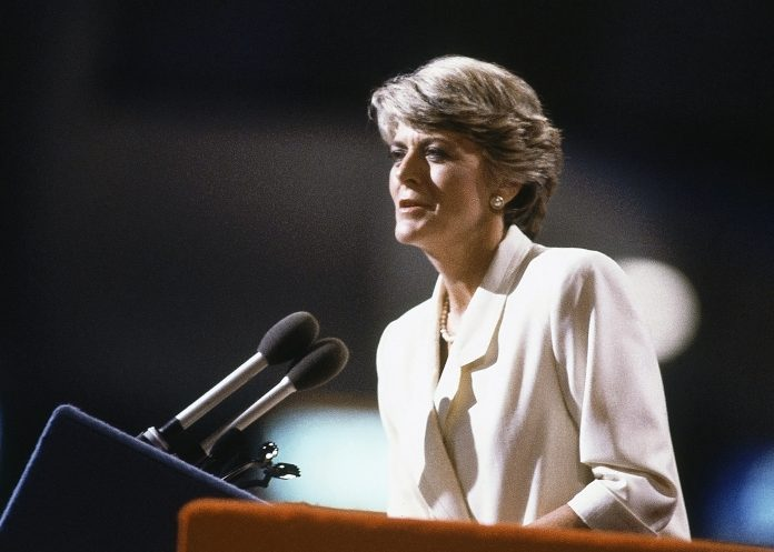 Geraldine Ferraro speaking at lectern (© AP Images)