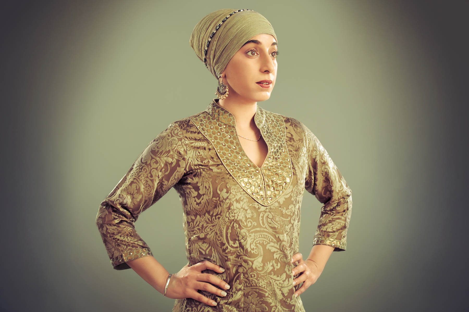 Woman wearing a turban (© Amit and Naroop/The Sikh Coalition)