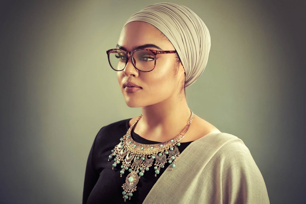 Woman wearing turban and glasses (© Amit and Naroop/The Sikh Coalition)