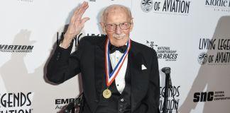Bob Hoover waving at cameras (© AP Images)
