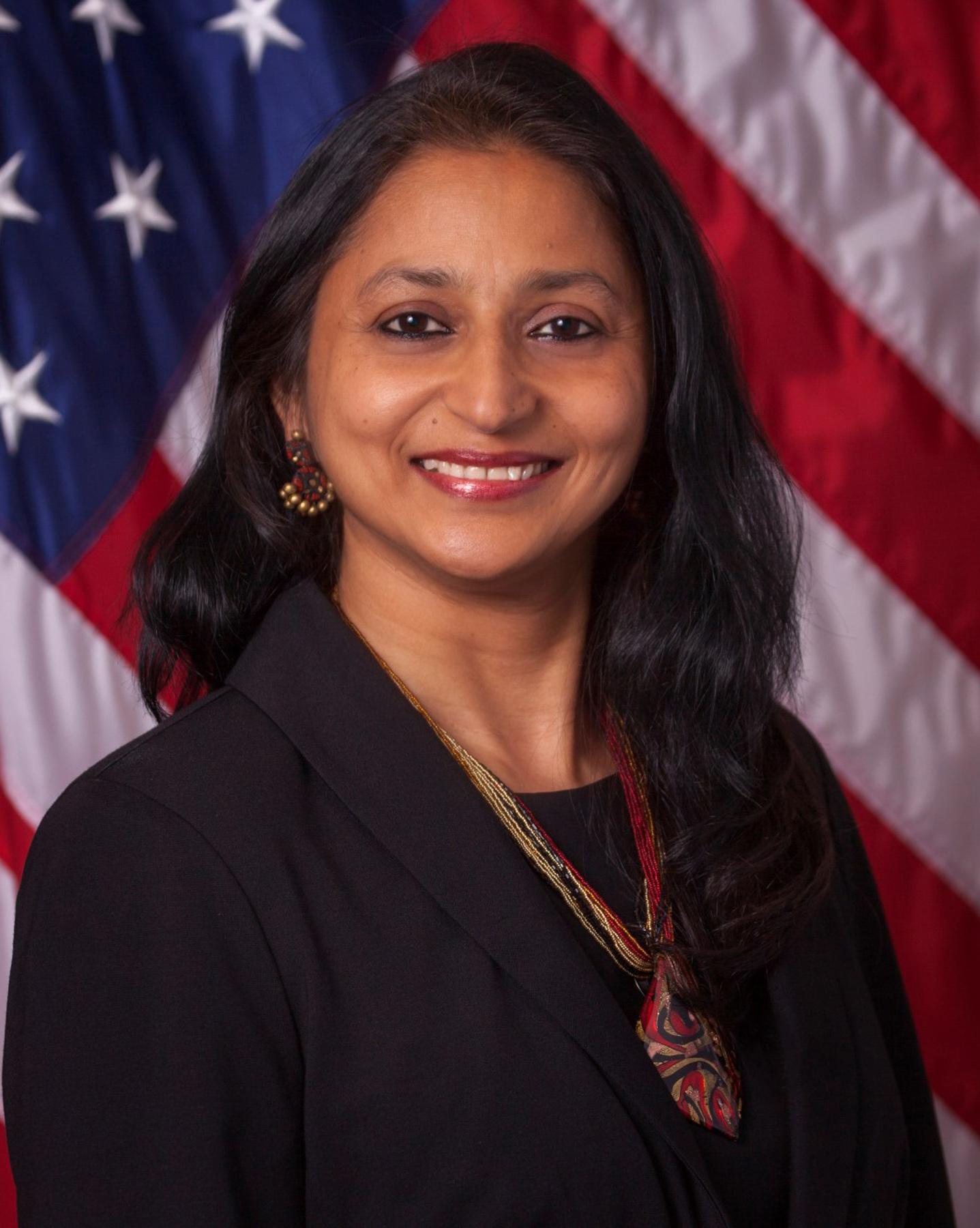 Portrait photo of Savita Vaidhyanathan (© AP Images)