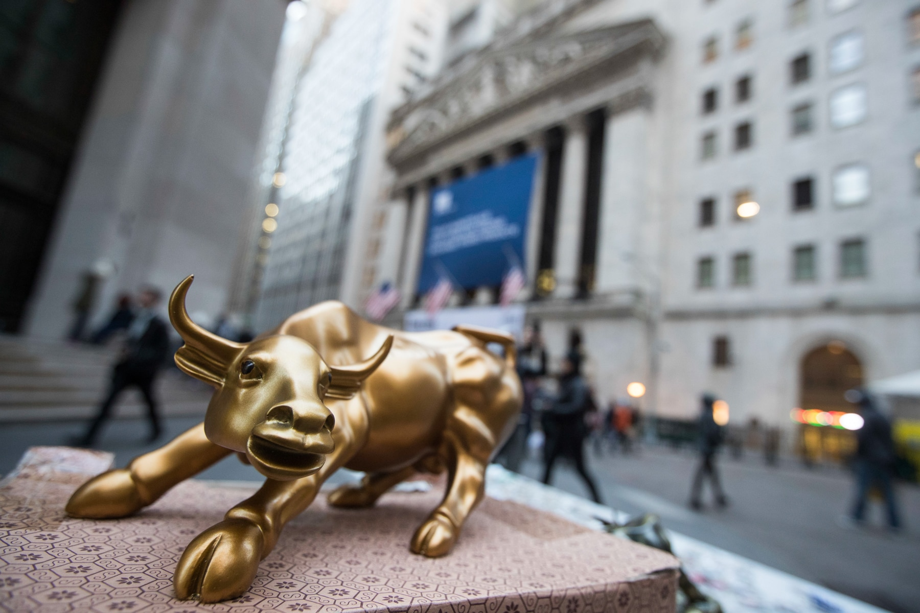 Miniature bronze bull statue (© AP Images)