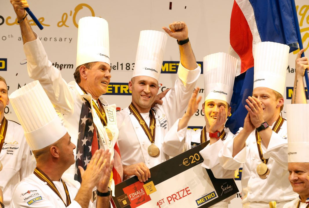 Group of chefs celebrating (© AP Images)