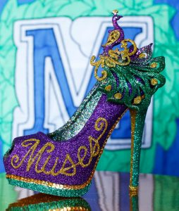 A shoe decorated for Mardi Gras (© AP Images)