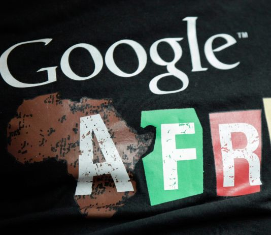 """Google Africa"" on T-shirt (© AP Images)"
