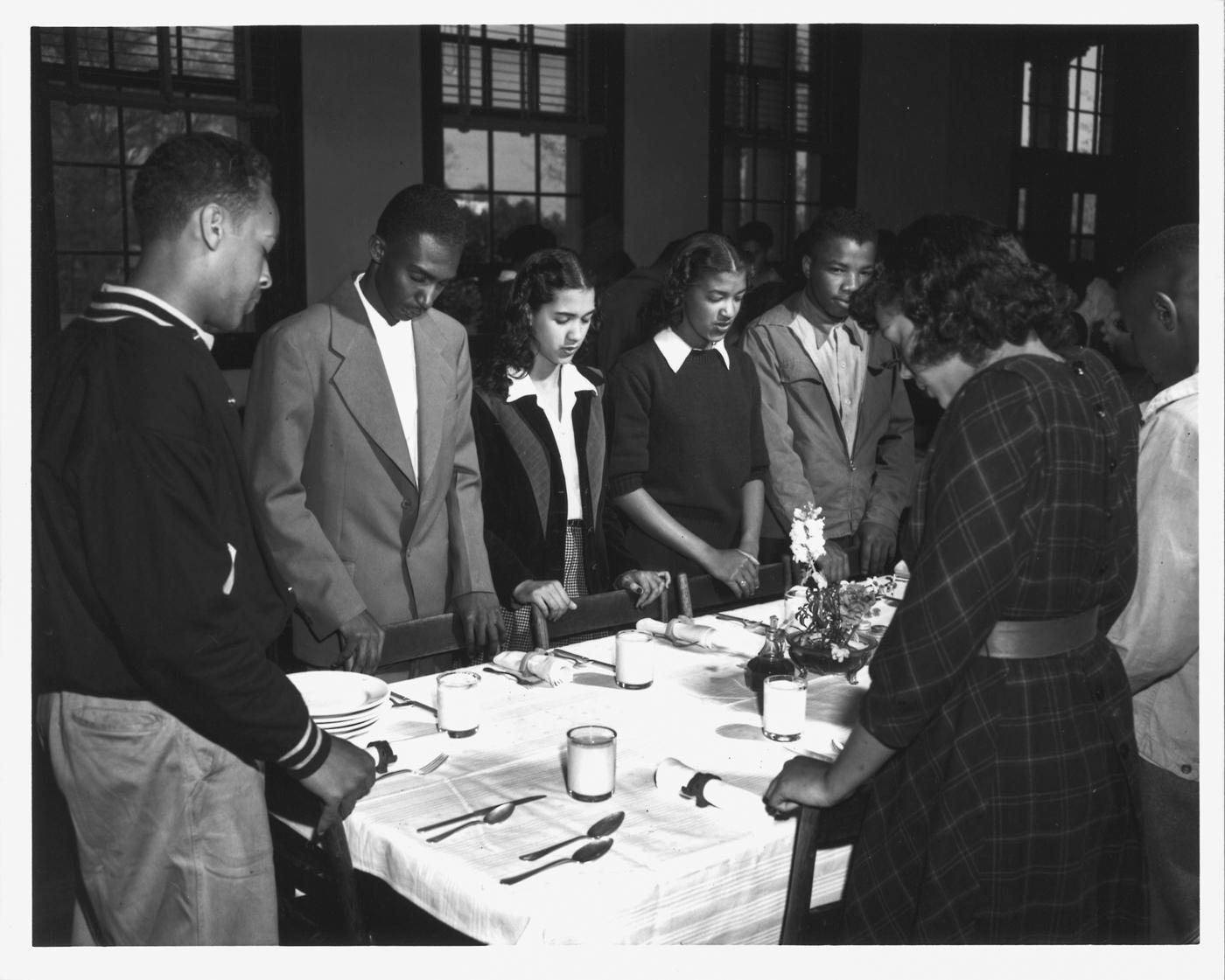 Учащиеся школы-интерната для афроамериканцев (© Griff Davis)