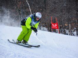 Pessoa esquiando (Special Olympics EUA)