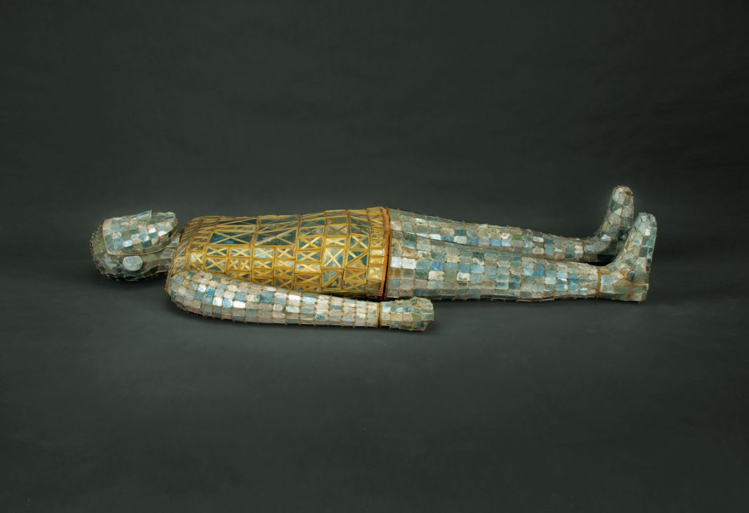 Shroud made of small pieces of jade linked by gold wire (Courtesy of Hebei Provincial Museum, Shijiazhuang)